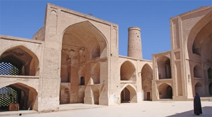 Iran 18 Days Tour